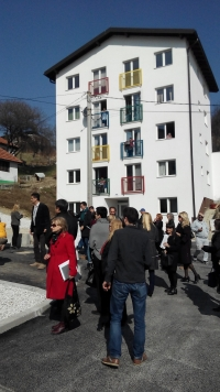 Otvorena   zgrada socijalnog stanovanja za  8 romskih porodica u Kaknju