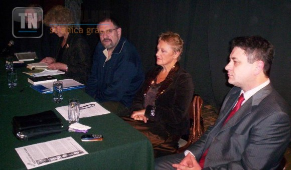 S lijeva ka desno ZeljkoIvanjek, Dasa Drndic, Drazen Katunaric, Marina Sur Puhlovski i Amir Brka.JPG
